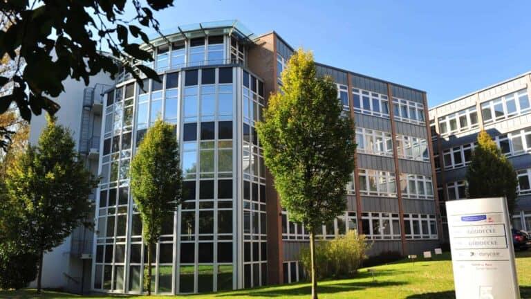 Kanzlei Gebäude außen Göddecke Rechtsanwälte